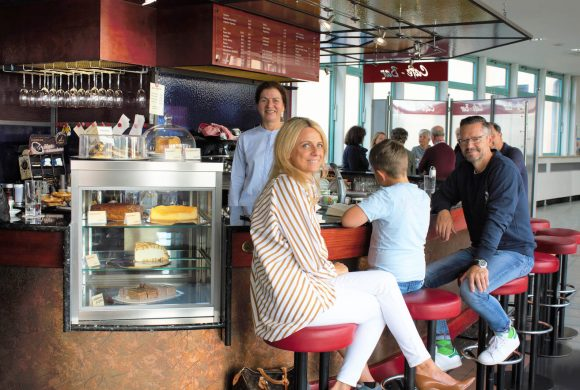 Café-Bar im Einkaufspark Regen